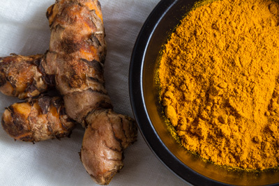 Turmeric Root with Turmeric Powder