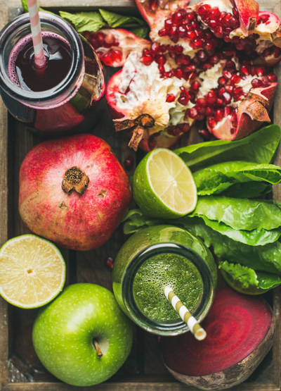 resh juices with fruit, greens, vegetables